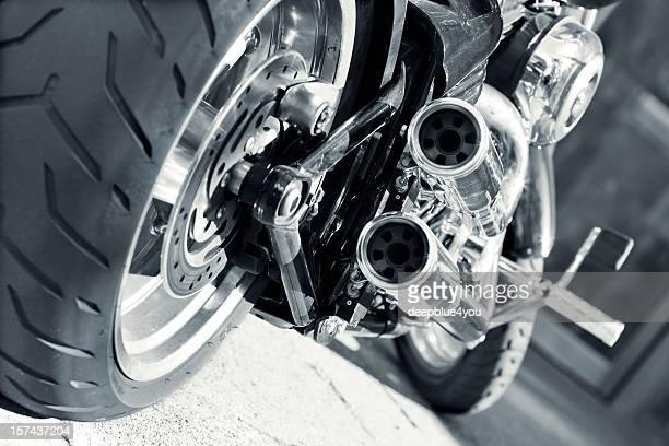 motocicleta de exaustão - motocicleta - fotografias e filmes do acervo