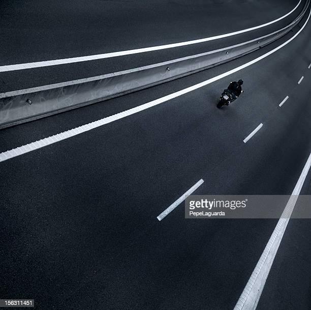 Pilote de moto de l'autoroute