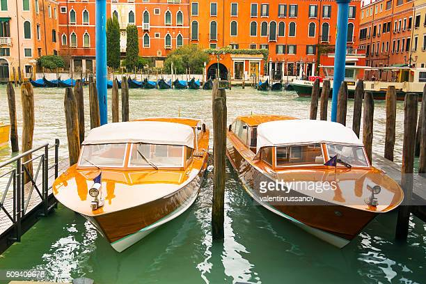 Motorboote im Gran Kanal, Venedig