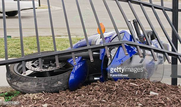 motorcycle crash - motorcycle accident stock pictures, royalty-free photos & images