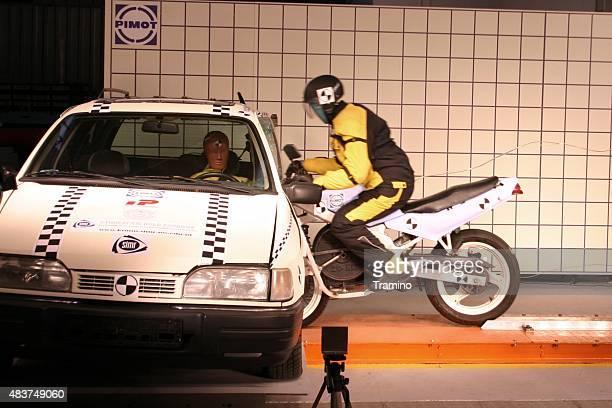 Motorcycle crash simulación
