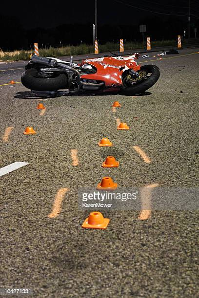motorcycle wreck - motorcycle accident stock pictures, royalty-free photos & images