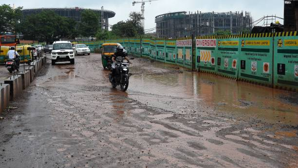 IND: Heavy Rainfall In Delhi Since Morning Causes Waterlogging And Traffic Snarls