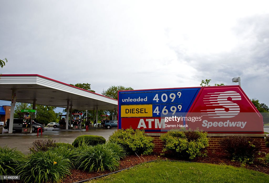 Speedway Gas Prices Near Me >> Motorists Fill Up With Gas At A Speedway Gas Station Where A