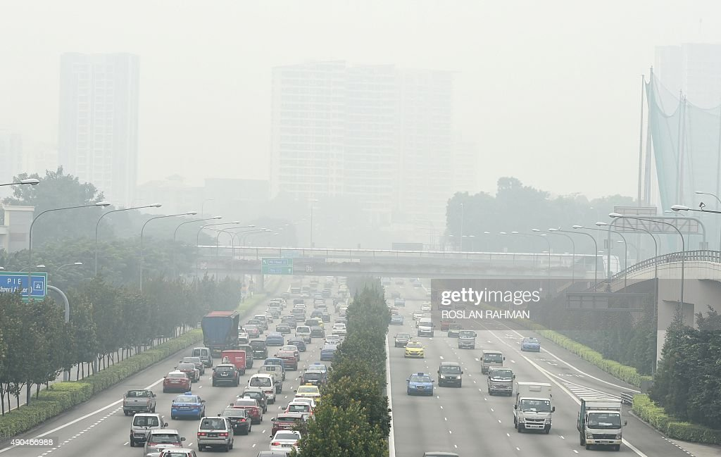 SINGAPORE-INDONESIA-ENVIRONMENTAL-HEALTH-POLUTION : News Photo