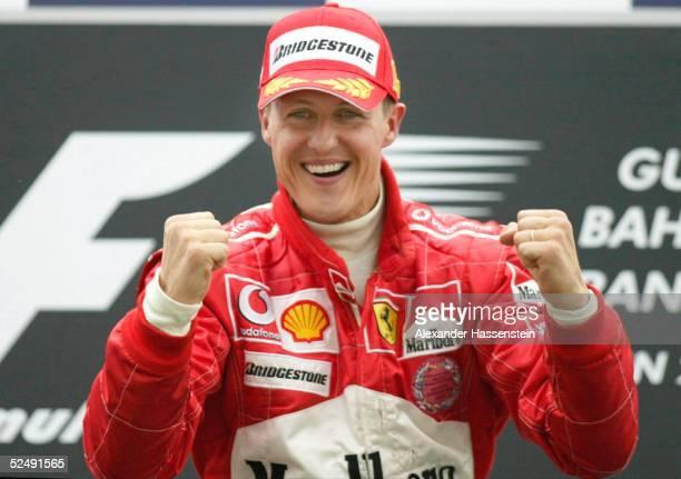 Motorsport / Formel 1 GP von Bahrain 2004 Manama Michael SCHUMACHER / Ferrari gewinnt den Grand Prix 040404