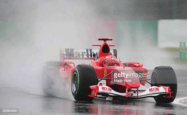 Motorsport / Formel 1: GP von Japan 2004, Suzuka; Michael SCHUMACHER / GER / Ferrari .