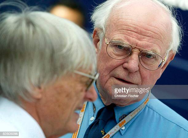Motorsport / Formel 1: GP von San Marino 2004, Imola; FIA Rennarzt Sid WATKINS und Bernie ECCLESTONE 25.04.04.