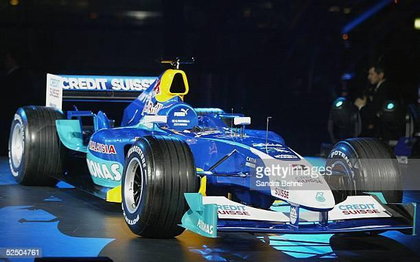 Motorsport / Formel 1 Vorstellung Team Sauber Petronas 2004 Salzburg Seitenansicht des neuen C23 120104