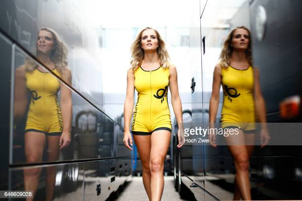 Motorsports / DTM 9 race Zandvoort grid girl shooting mit Roos