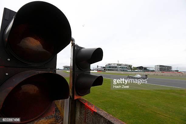 FIA Formula One World Championship 2013 Grand Prix of Great Britain #10 Lewis Hamilton traffic light Ampel
