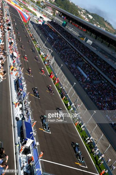FIA Formula One World Championship 2014 Grand Prix of Russia #44 Lewis Hamilton #6 Nico Rosberg #77 Valtteri Bottas start mass Masse Menge viele many