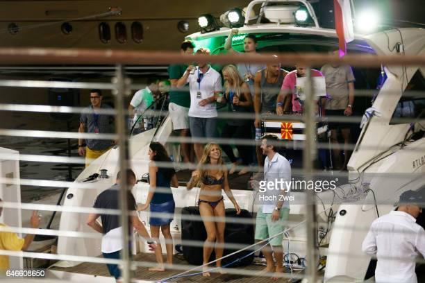 FIA Formula One World Championship 2014 Grand Prix of Abu Dhabi Yas Marina Circuit port Yacht Yachten Hafen Schiff Schiffe Yachthafen Fans Party