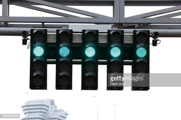 FIA Formula One World Championship 2014 Grand Prix of Singapore green light Ampel traffic light signal