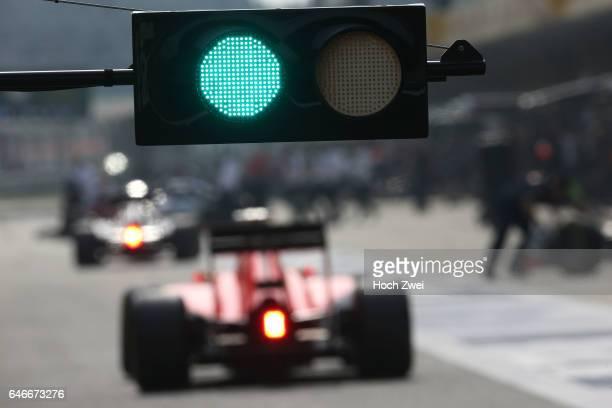 FIA Formula One World Championship 2015 Grand Prix of China green light Ampel traffic light signal