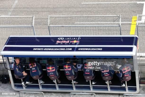 FIA Formula One World Championship 2015 Grand Prix of China Kommandostand control center Infiniti Red Bull Racing