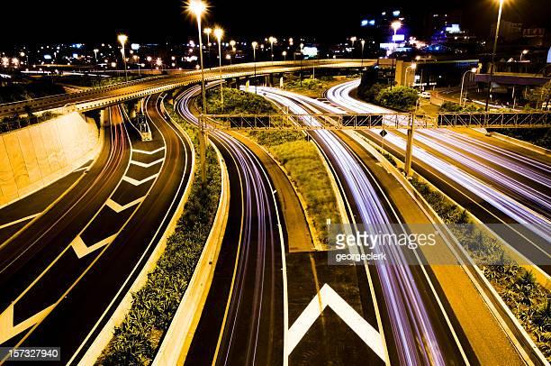 Autopista en la intersección de tráfico