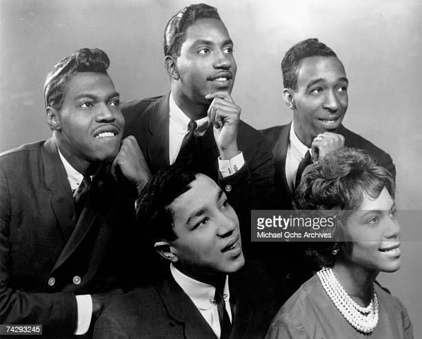 Motown group The MIRACLES Clockwise from Left Pete Moore Bobby Rogers Ronald White Claudette Robinson and Smokey Robinson pose for a portrait circa...