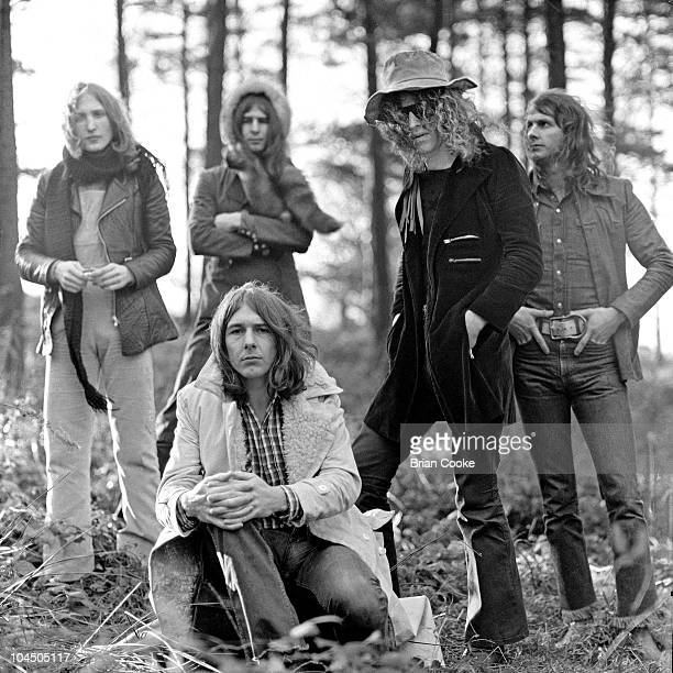 Mott The Hoople pose for a group portrait, L-R Dale 'Buffin' Griffin, Pete Overend Watts, Mick Ralphs , Ian Hunter and Verden Allen, in the Cleveland...