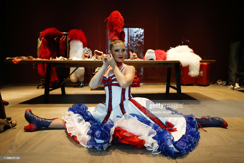 JPN: Moulin Rouge Visits Japan