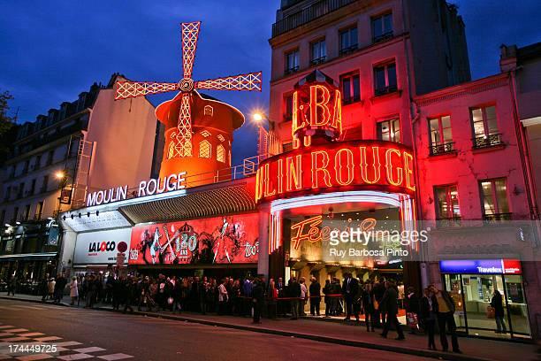 CONTENT] Moulin Rouge é um cabaret tradicional construído no ano de 1889 por Josep Oller que já era proprietário anteriormente do Paris Olympia...