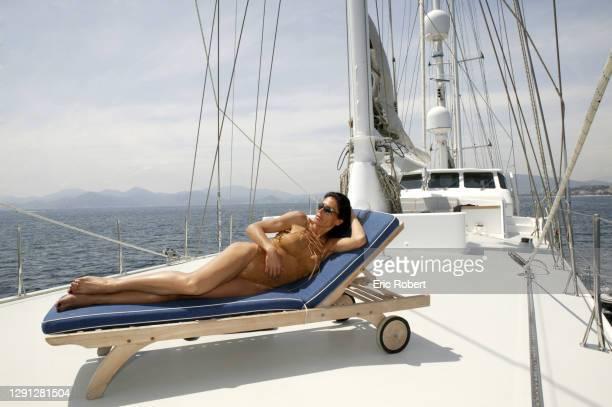 Mouna Ayoub sur son bateau, .