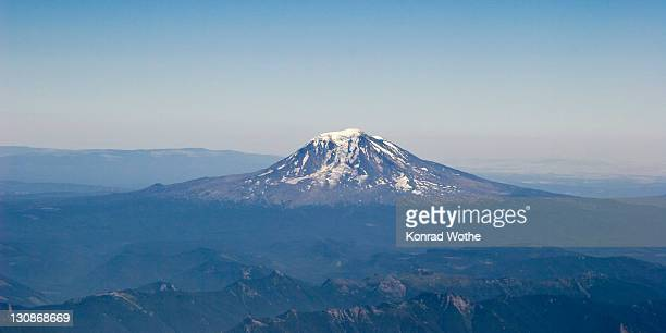 mount adams volcano, washington, usa - adams tennessee stock pictures, royalty-free photos & images