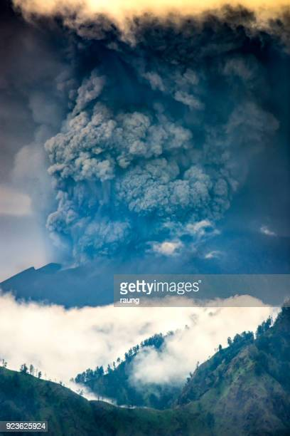 mount agung eruption - erupting stock pictures, royalty-free photos & images