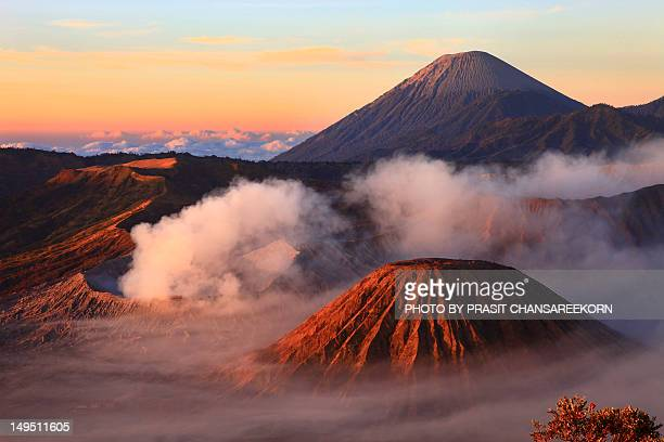 mount bromo or gunung bromo, indonesia - east java province stock pictures, royalty-free photos & images