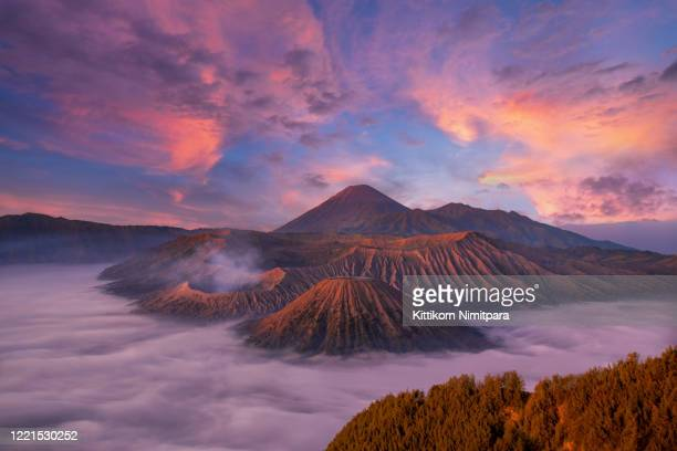 mount bromo twilight sky sunise,java,indonesia - bromo tengger semeru national park stock pictures, royalty-free photos & images