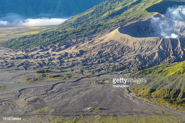 mount bromo volcano during sunrise, the magnificent view of mt. bromo located in bromo tengger semeru national park - shaifulzamri stock pictures, royalty-free photos & images