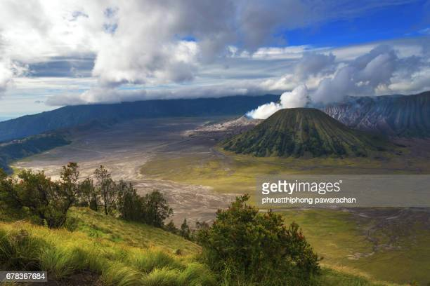 mount bromo volcano from viewpoint, east java, indonesia. - bromo crater stock pictures, royalty-free photos & images