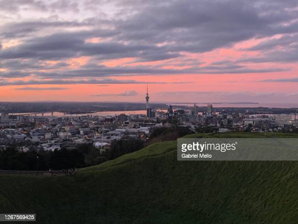 mount eden in auckland during sunset - auckland stock pictures, royalty-free photos & images
