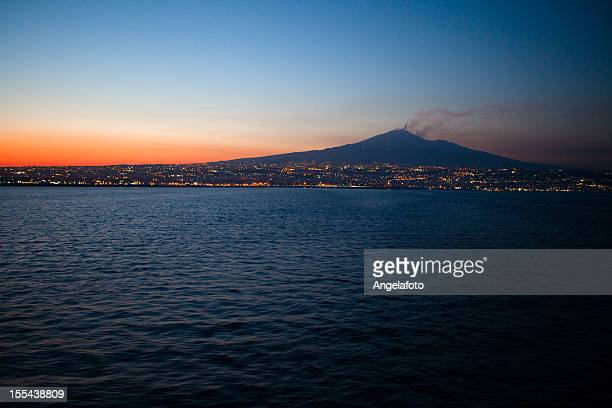 mount etna by night, catania, italy - mt etna stock pictures, royalty-free photos & images