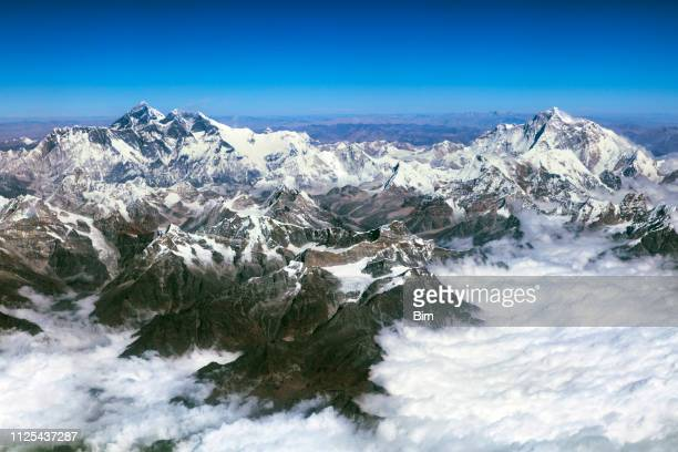 mount everest, lhotse, makalu, himalaya, nepal, aerial view - himalayas stock pictures, royalty-free photos & images