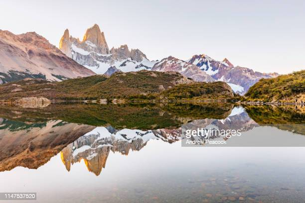 mount fitz roy lake reflection - los glaciares national park stock pictures, royalty-free photos & images