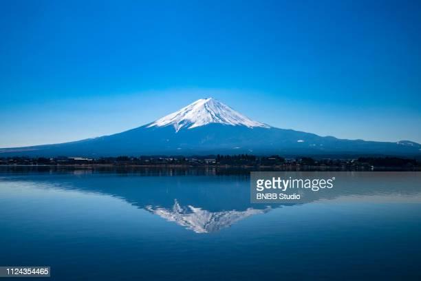 mount fuji at kawaguchi lake - mt. fuji stock pictures, royalty-free photos & images