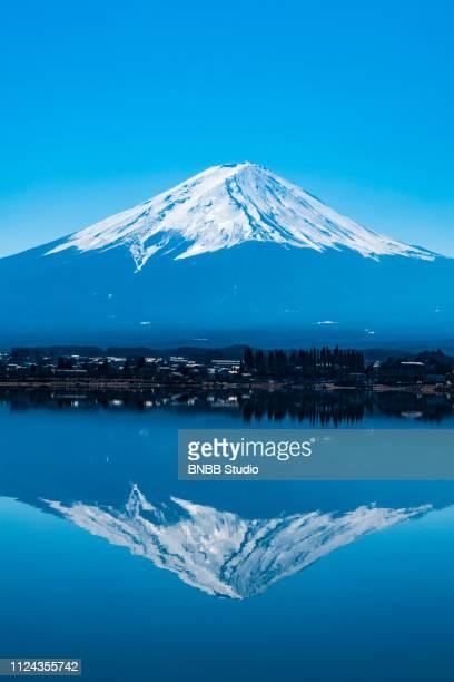 mount fuji at kawaguchi lake - televisão de alta definição - fotografias e filmes do acervo