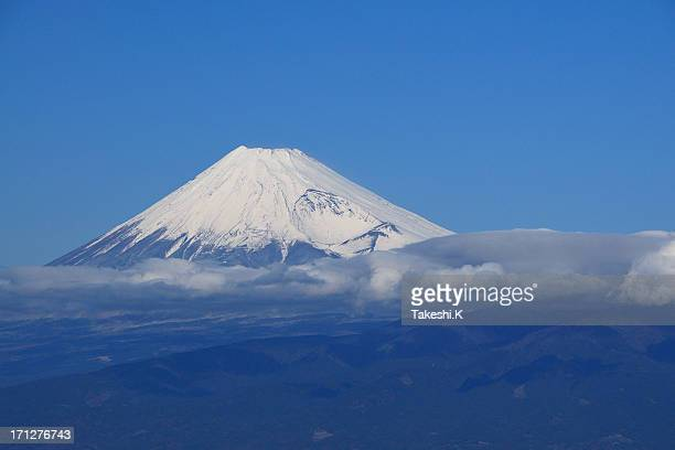 mount fuji in winter and cloud - shizuoka stock pictures, royalty-free photos & images