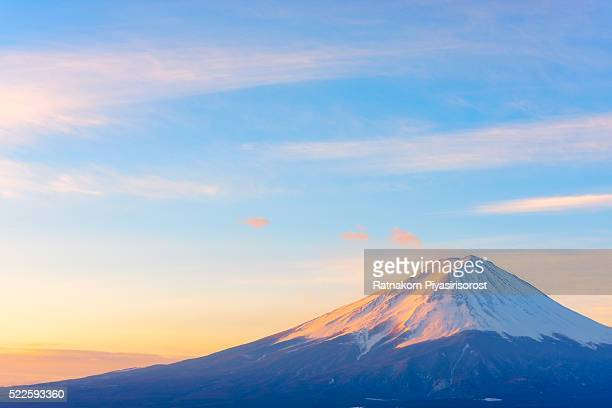 mount fuji, japan - 一月 ストックフォトと画像