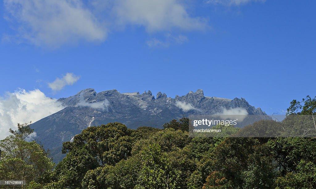 Monte Kinabalu em Bornéu, Sabah, Malásia : Foto de stock