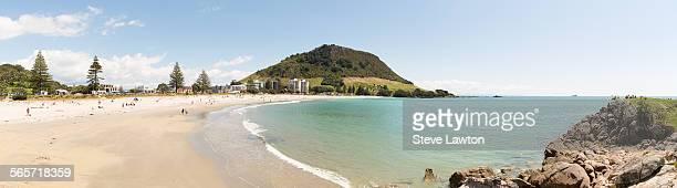 mount maunganui beach - mount maunganui stock pictures, royalty-free photos & images