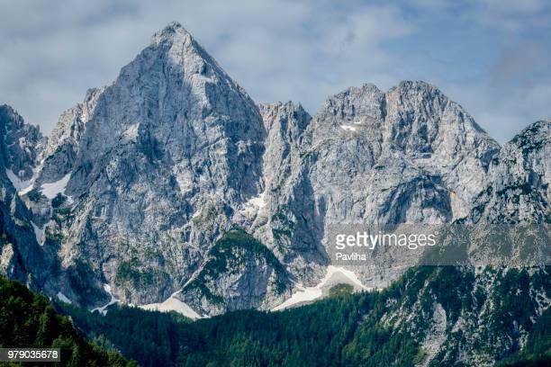 mount špik from under martuljek,triglav national park, gorenjska, julian alps, slovenia, europe - pavliha stock photos and pictures