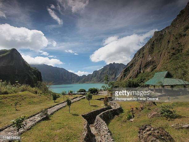 mount pinatubo crater - mt pinatubo stock photos and pictures