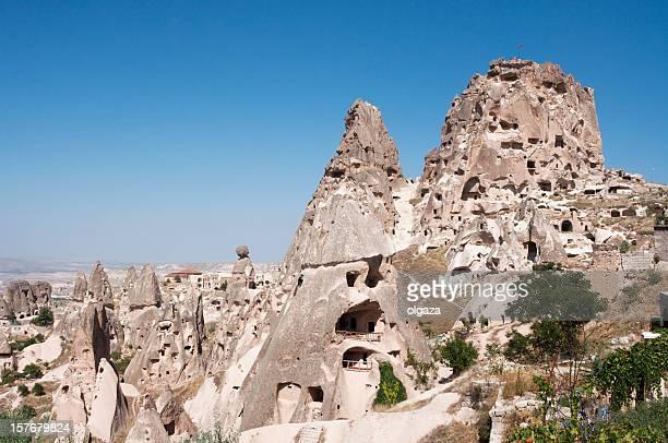 monte roca en capadocia la ciudad - formación karst fotografías e imágenes de stock