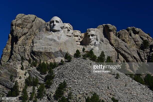 mount rushmore national memorial, south dakota, united states - black hills stock photos and pictures