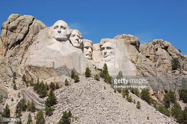 mount rushmore national monument - mt rushmore national monument stock pictures, royalty-free photos & images