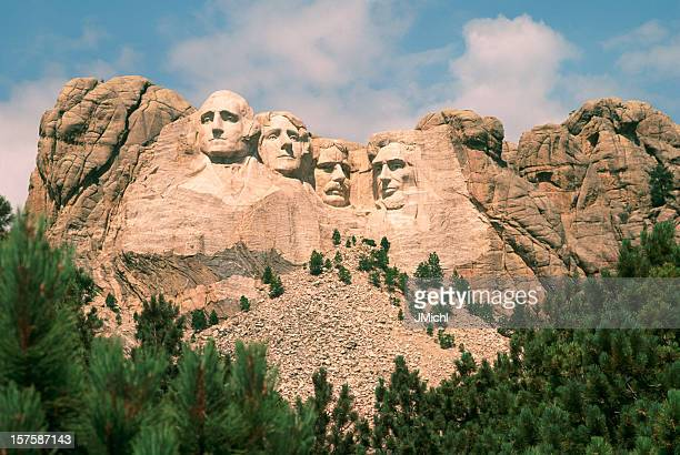 mount rushmore on a beautiful summer day. - black hills stock pictures, royalty-free photos & images