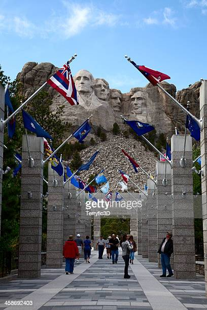 mount rushmore visitor center - terryfic3d stock pictures, royalty-free photos & images