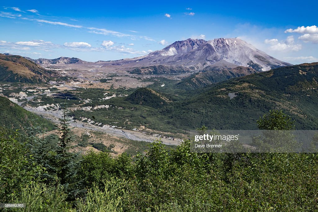 Mount Saint Helens and the Toutle River in summer : Stock Photo